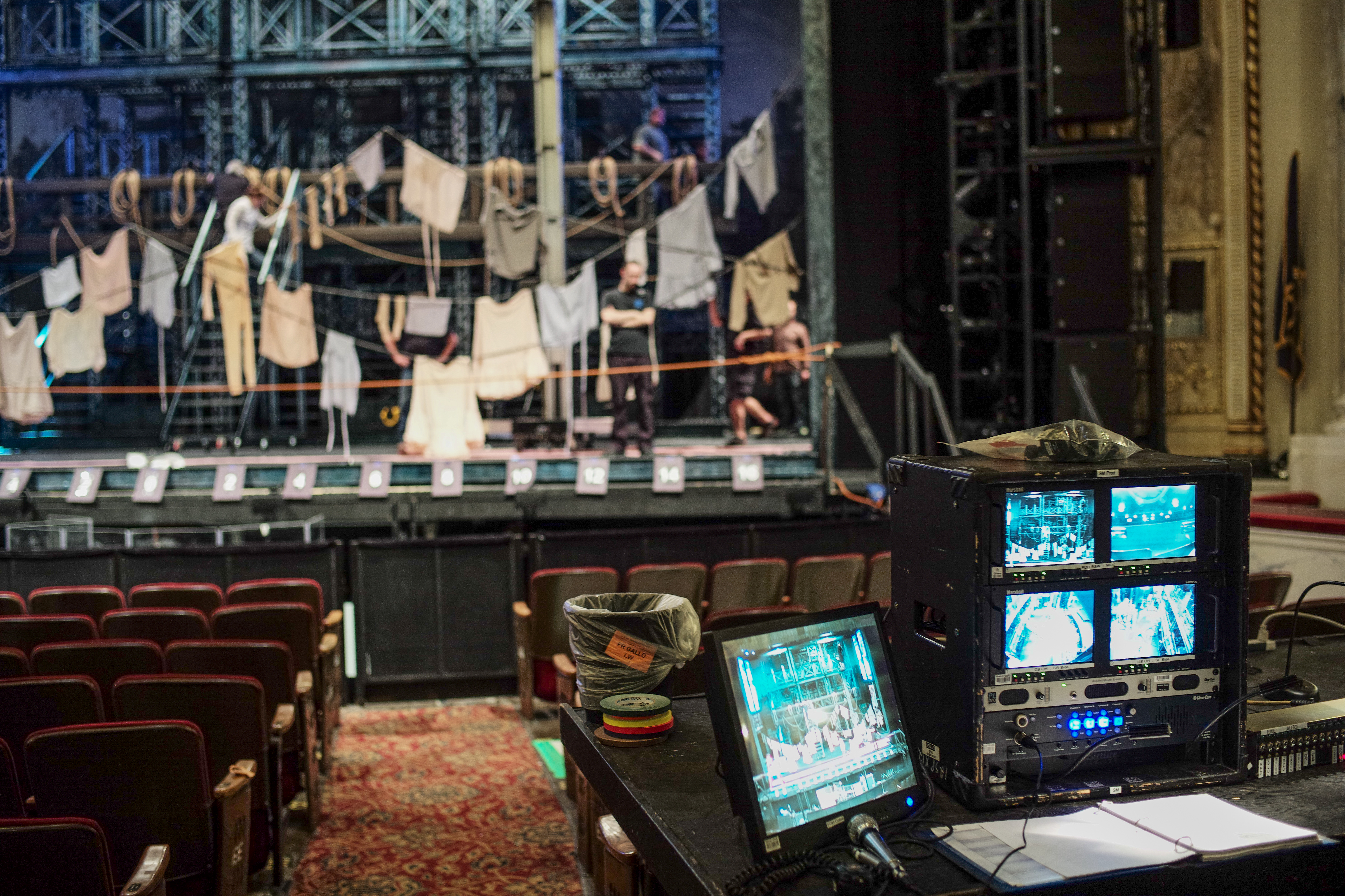 NEWSIES TECH 10